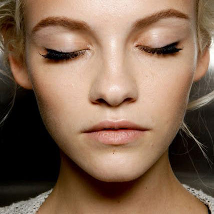 eyebrow threading vancouver, brow shaping vancouver, spring beauty